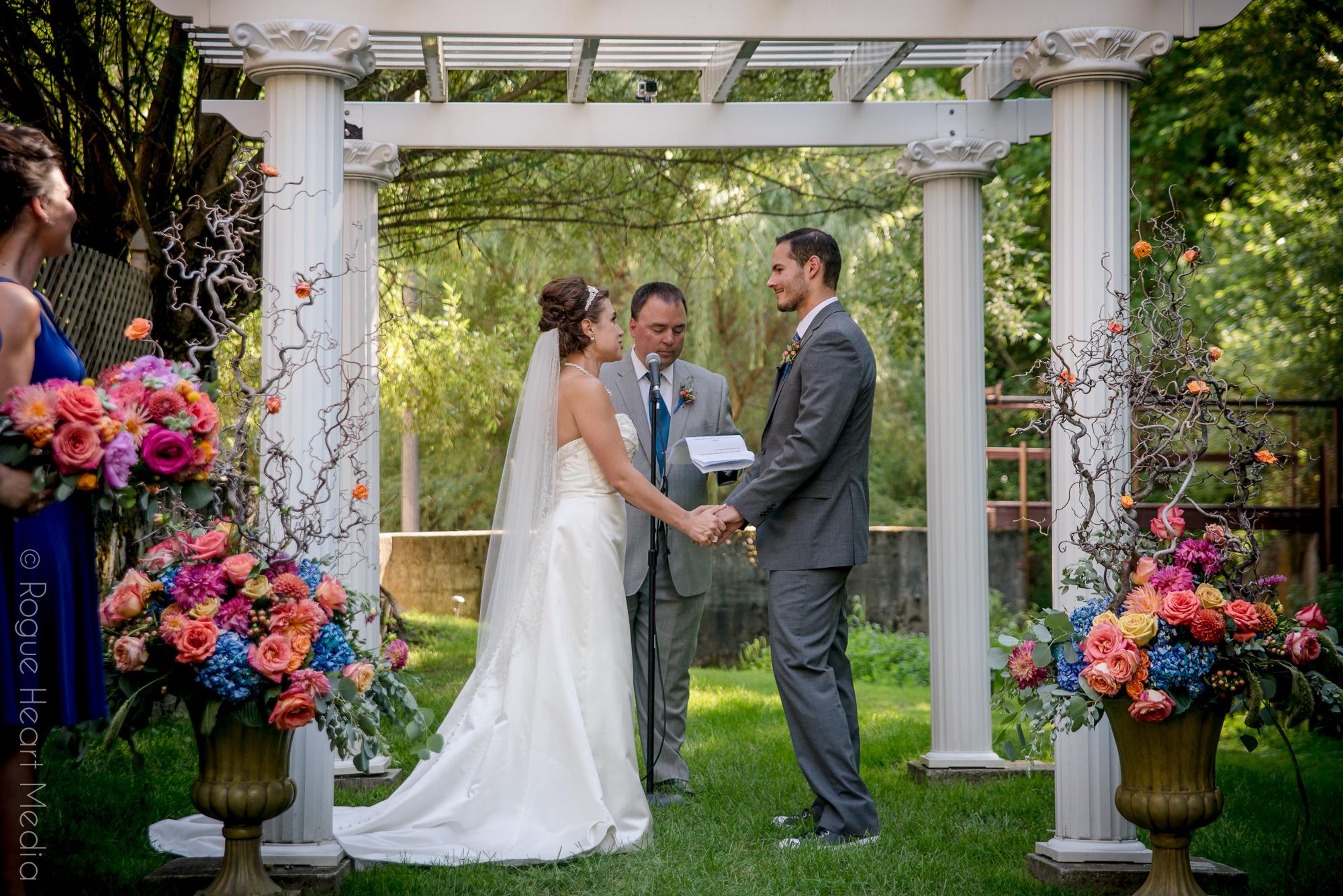 Commellini Estate, Event planning, Spokane Wedding Planner, Desiree, Summer Wedding, Outdoor Summer Wedding